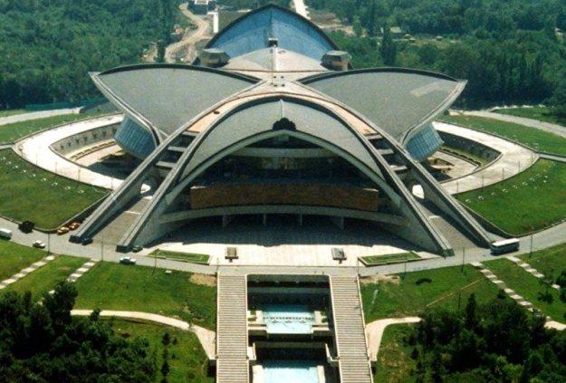 top-15-fantasticheskih-zdaniy-sovetskoy-arhitectury-25