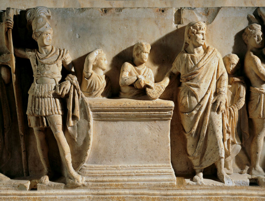 قبر فيليب العرب    6 أغرب الاكتشافات الأثرية    برين بيري