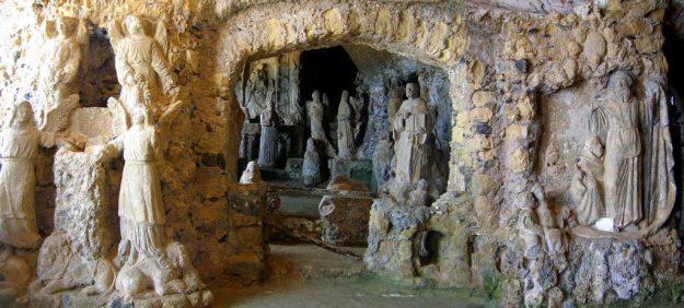 Piedigrotta church, Pizzo, Italy   17 Astonishingly Beautiful Cave Churches Around The World   Brain Berries