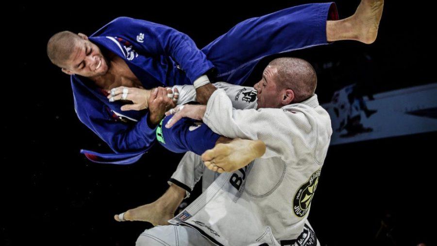 البرازيلي جيو جيتسو |  أخطر تخصصات فنون الدفاع عن النفس |  التوت الدماغ