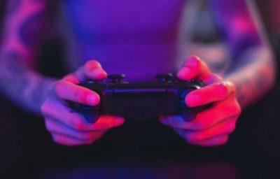O que jogar por períodos prolongados faz ao seu corpo | Brain Berries