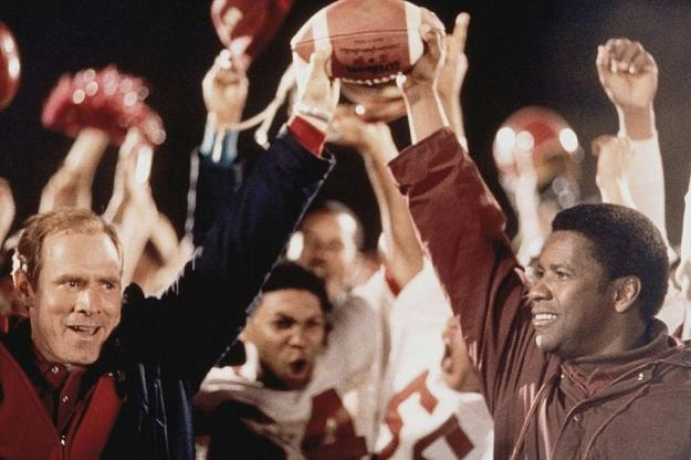 Remember the Titans (2000) | 10 Movies That Will Inspire You | Brain Berries