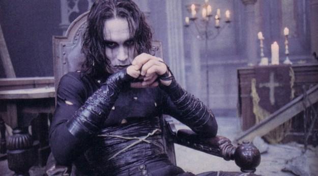 Ворон | 10 лучших фильмов для Хэллоуина | Brain Berries
