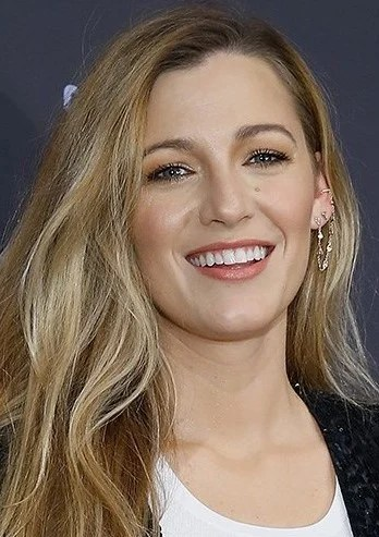Blake Lively   9 Gorgeous Celebrities Who Hate Wearing Makeup   Brain Berries