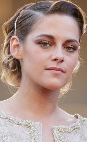 Kristen Stewart   9 Gorgeous Celebrities Who Hate Wearing Makeup   Brain Berries