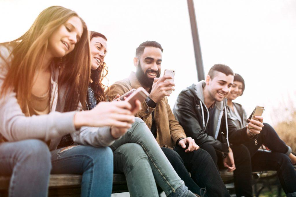 جيل الألفية فقط لا يهتمون |  5 أشياء تعتقد أنها ليست صحيحة عن جيل الألفية |  برين بيري