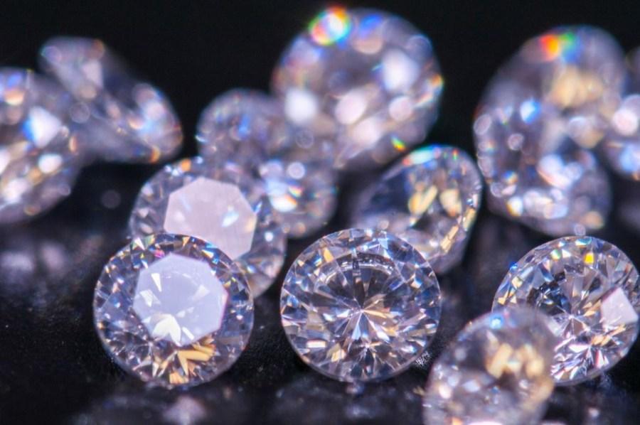 الماس المسروق |  أكبر 8 أشياء مسروقة على الإطلاق |  التوت الدماغ