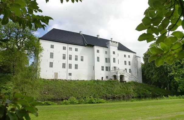 قلعة دراغشولم ، الدنمارك |  أكثر 9 قلاع مسكون رعبًا في أوروبا |  التوت الدماغ