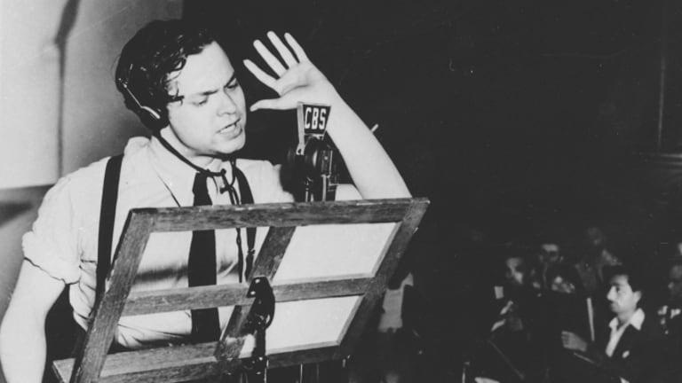 البث الإذاعي لحرب العوالم لم يتسبب في فزع الجميع |  6 أحداث تاريخية كاذبة (جنبًا إلى جنب مع واحد هذا صحيح!) |  برين بيري