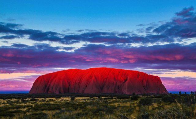 أولورو (أستراليا) | 10 من أفضل أماكن غروب الشمس في العالم | زيسترادار