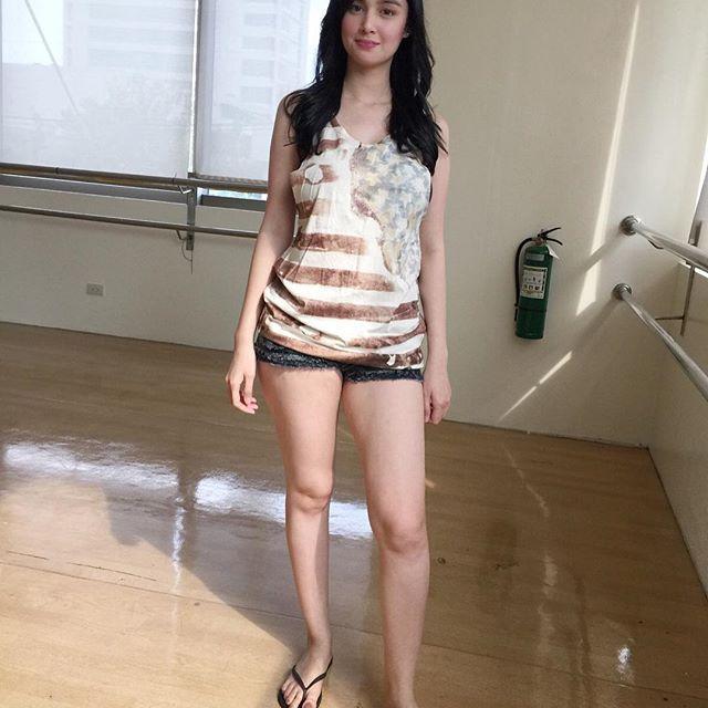 金多明哥 - 女模Kim Domingo極品菲律賓混血女模超大車頭燈超胸狠超爆乳、火辣魔鬼身材天使臉孔菲律賓的吉川愛美不只有美還是牙醫系學生
