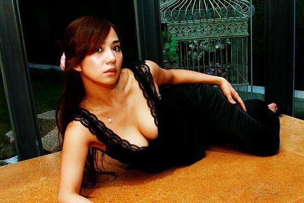 安小蕎 - 賽車女神全裸超胸曬渾圓嫩乳性感破錶、無名小站正妹百大人氣美女爆紅大露南半球、辣妹模特兒