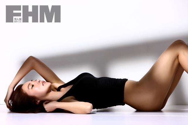 高宇蓁 - 本土劇女神裸胸泳裝照曝光爆乳長腿辣翻網友噴鼻血驚呼:太胸了、FHM全裸激爆側乳手遮美乳性感無極限