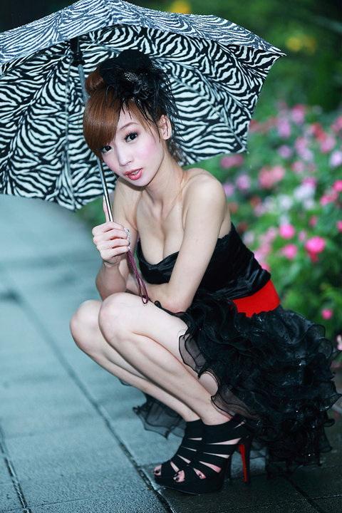 古芳如 - 中印混血長腿舉牌女郎、喜歡嘟嘴的清純甜美大眼Show Girl、海派小甜心展場大秀美胸