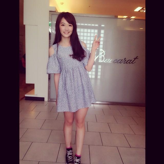 陳靜婷 - 麥當勞正妹超正電表特版瘋狂爆熱推文、台中麥當勞姊姊眼靈動雙眼好迷人