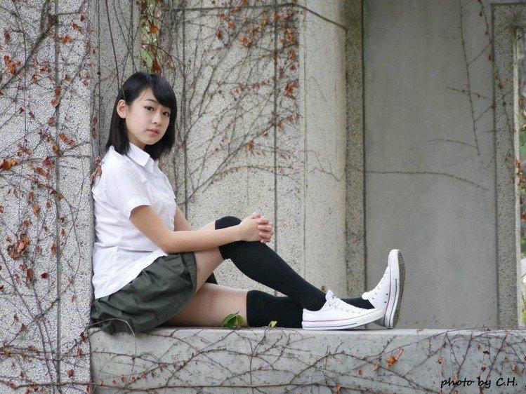 吳暐榕 - 短髮學生正妹熊熊、好胸甜美制服女孩、逆天的娜美身材