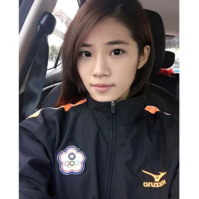 吳念蓉 - 超甜太極拳正妹原來是國手、網友戀愛:一起運動練功吧、太極好手武夠厲害