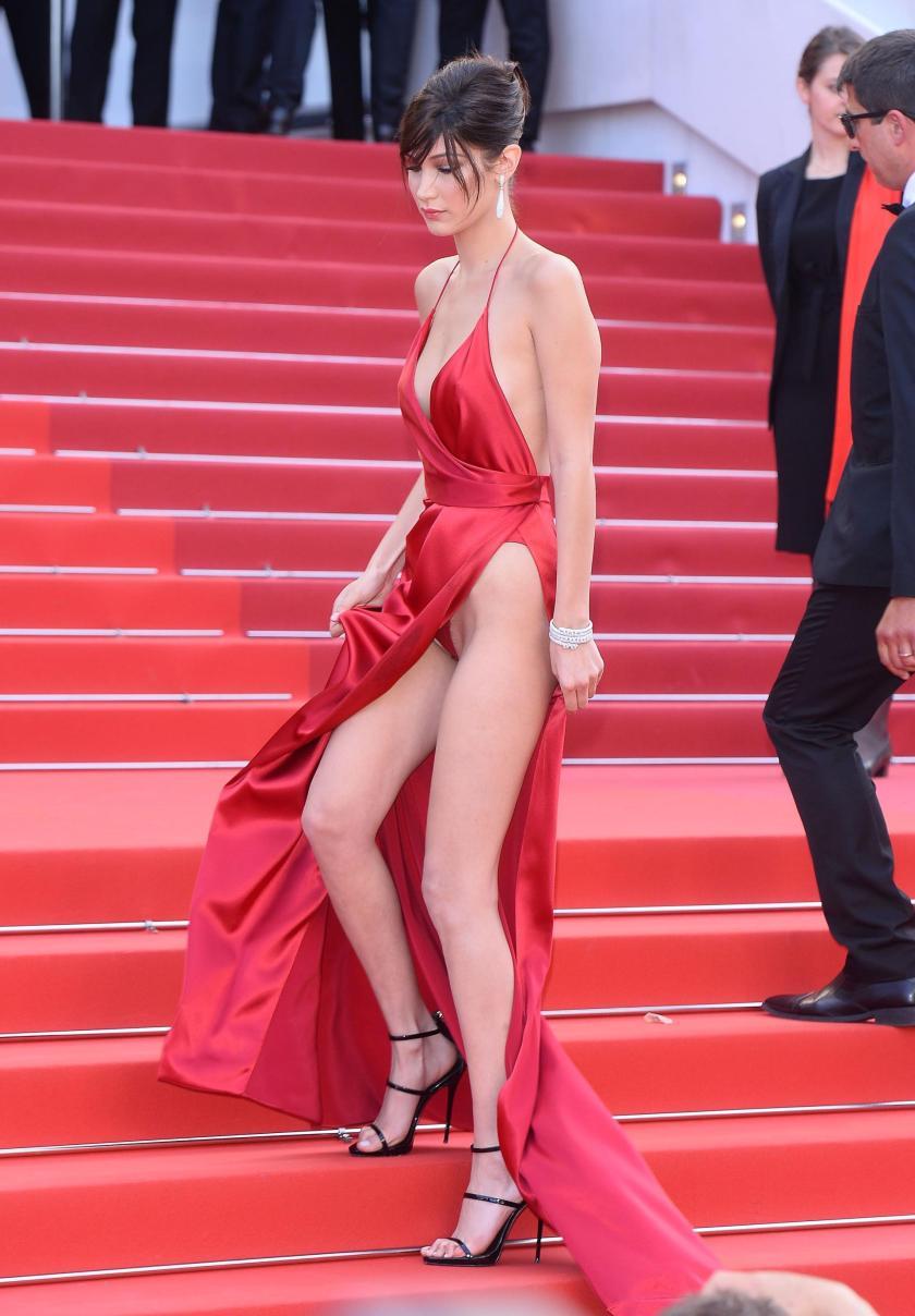 貝拉哈蒂德 - 年度模特兒Bella Hadid全裸放送蜜臀南半球秀S曲線、人氣飆漲登上英國GQ雜誌封面