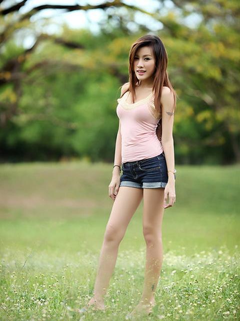 Muay Pilawan - 泰國性感火辣爆乳名模、雄偉美乳長腿宅男女神