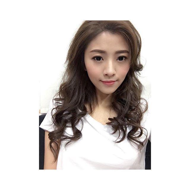 王詩晴 - 台版雪炫超模等級吸睛美腿、高挑甜美模特兒、靚夏美腿女王