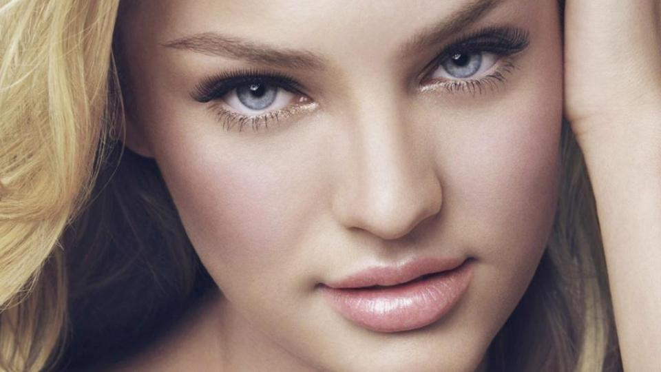 Candice Swanepoel hair and makeup tutorial