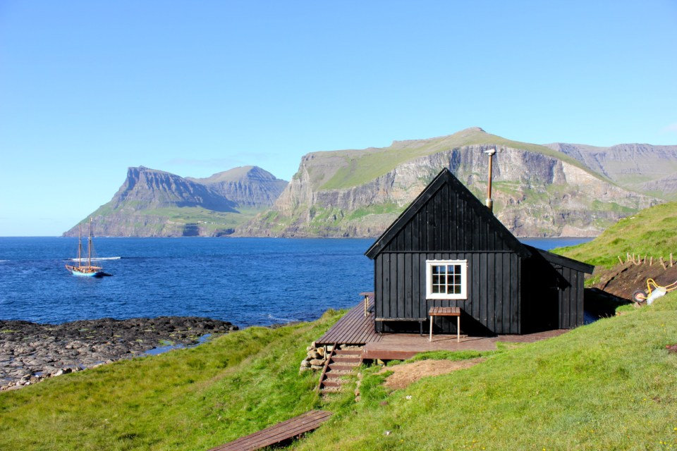 stunningly-dreamy-remote -cabins-in-the-middle-of-nowhere-11