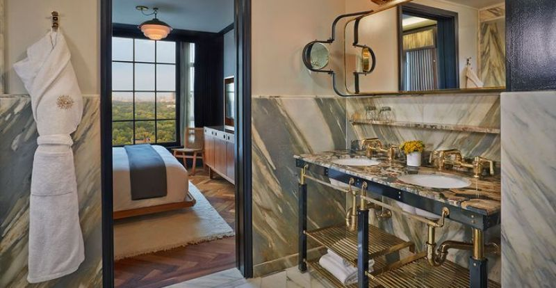 the-worlds-10-sexiest-hotel-rooms-where-you-dont-need-a-do-not-disturb-sign-02