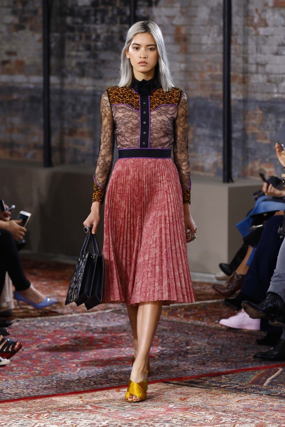 best-looks-of-the-gucci-cruise-collection-2016-03