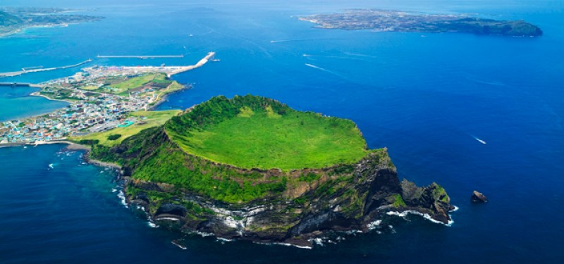 the-most-beautiful-islands-to-spend-your-summer-vacation-23