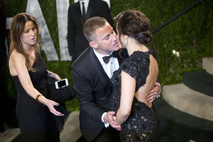 awkward-celeb-couple-moments-caught-on-camera-02