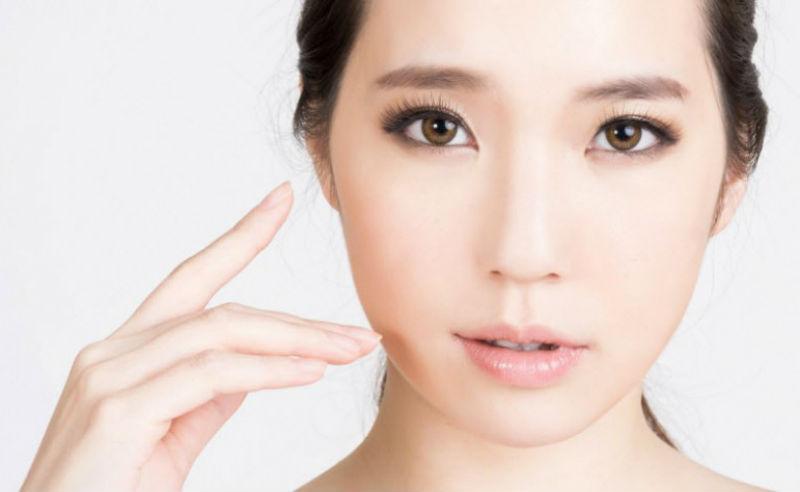 7 tips de la rutina facial coreana que dejarán tu piel radiante | Her Beauty