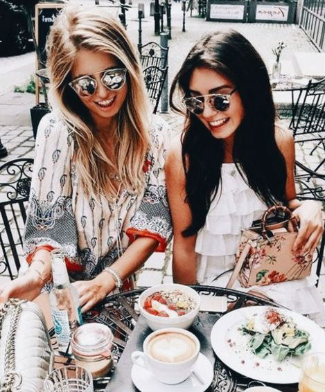 Spilling Secrets To Your BFF | 10 Things Men Want Their Girlfriends To Stop Doing | HerBeauty
