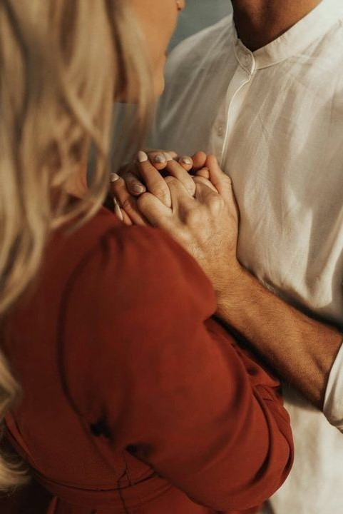 Vulnerable With Each Other | 10 Signs You're in a Healthy Relationship | Her Beauty