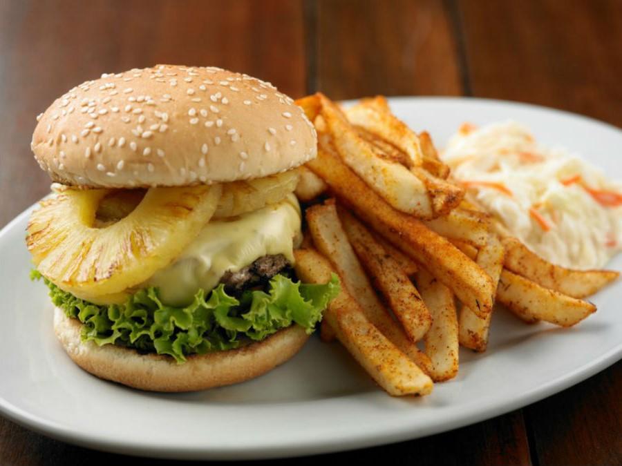 Пикантный гавайский бургер | 10 интересных рецептов домашних бургеров | Her Beauty