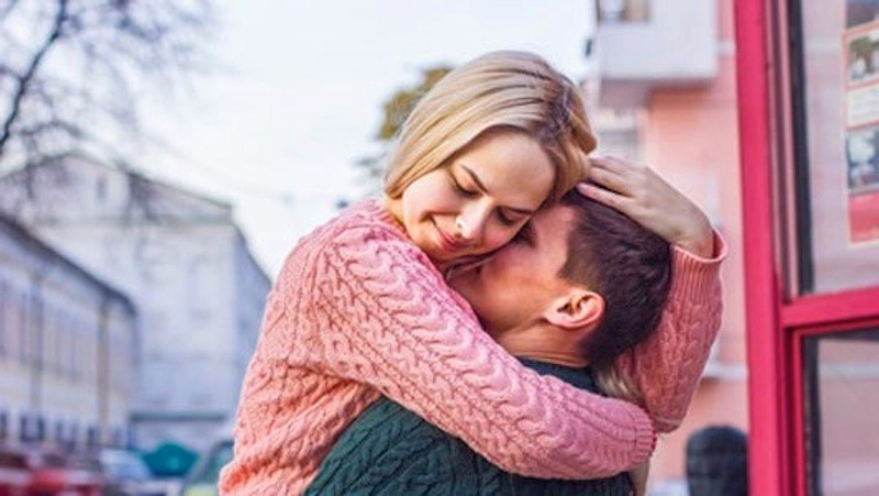 You want to save everyone. | 6 Signs You're Not Ready to Be in a Relationship | Her Beauty