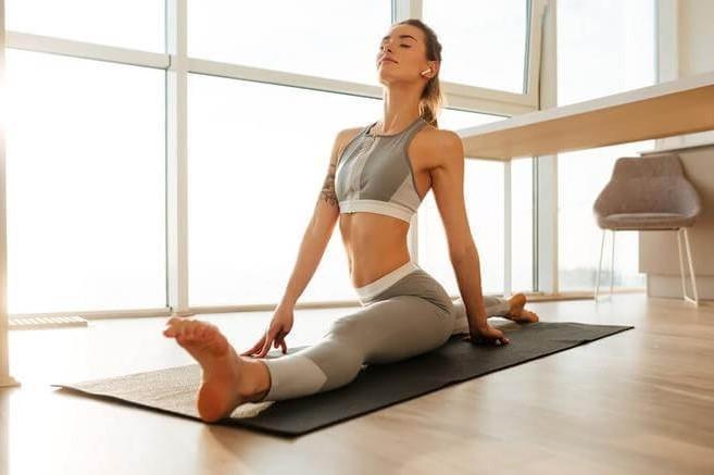 8 упражнений, которые помогут вам быстро и безболезненно сесть на шпагат #1 | Her Beauty