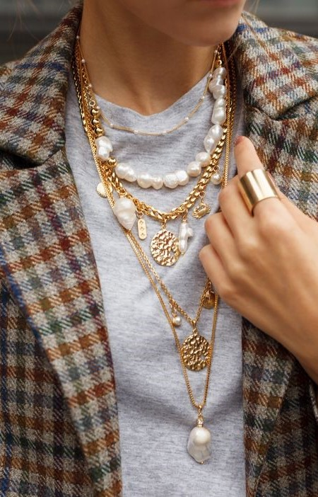 Gold herringbone necklace | 7 Wardrobe Staples You'll Wear ALL of 2019 | Her Beauty