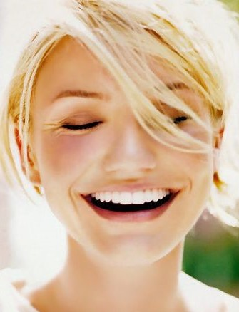 Whitening teeth | 12 tips on how to look 30 years old when you're 50 years old | Her Beauty
