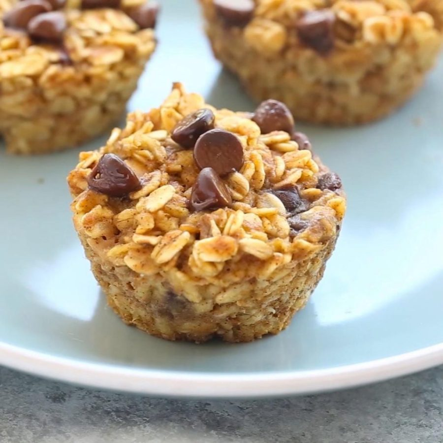 Baked Pumpkin Oatmeal Muffins | 12Healthy Pumpkin Recipes Perfect for Fall | Her Beauty