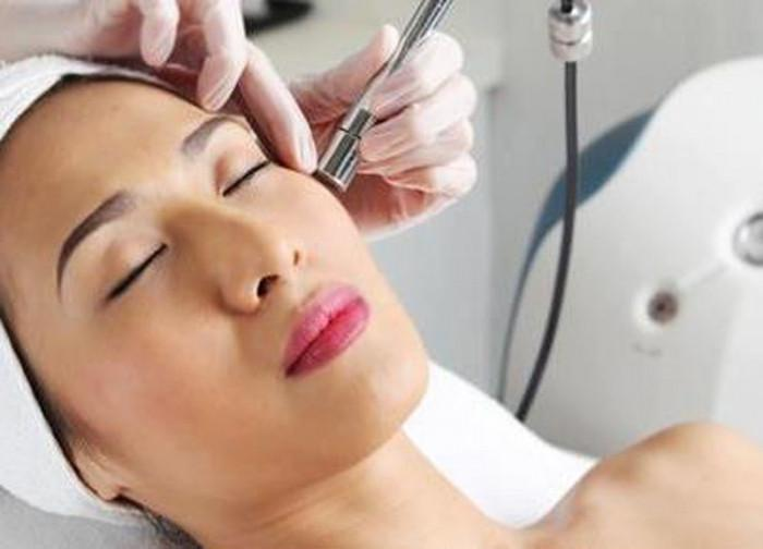 Dermabrasion | What Is Microdermabrasion, And Will It Improve Your Skin | Her Beauty