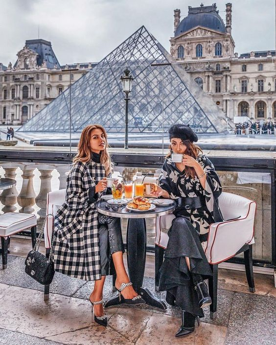 The Louvre | 8 Best Places to Visit in Paris | Her Beauty