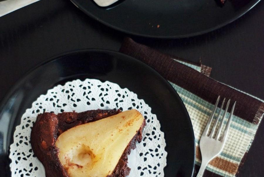 Шоколадный пирог с грушами     Что приготовить с грушей? 10 интересных рецептов   Her Beauty