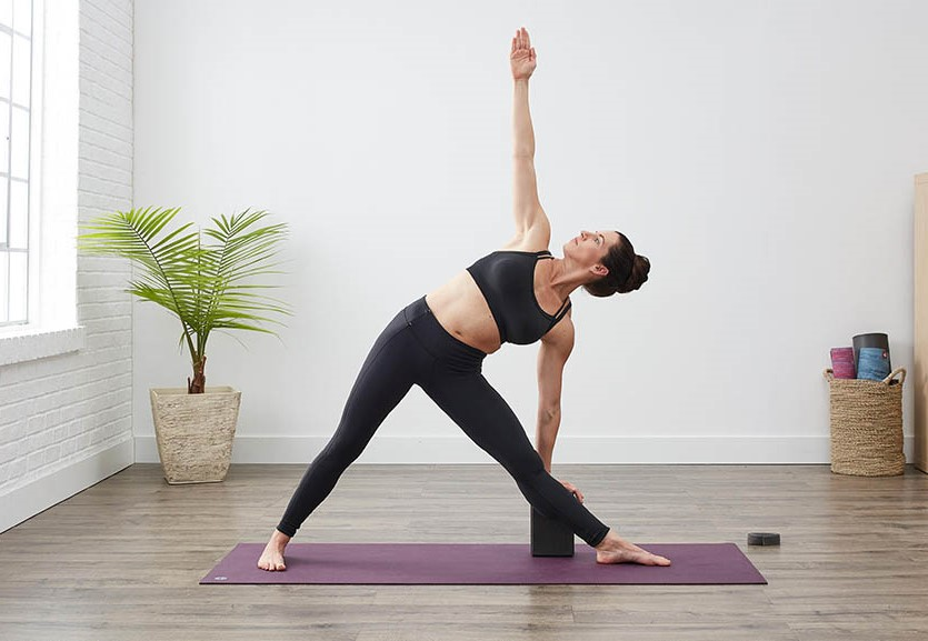 Triangle pose   15 Morning Yoga Poses For Beginners   Her Beauty