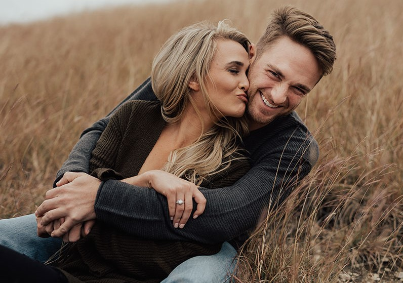 Use positive reinforcement   6 Tips for Making Him More Romantic   Her Beauty