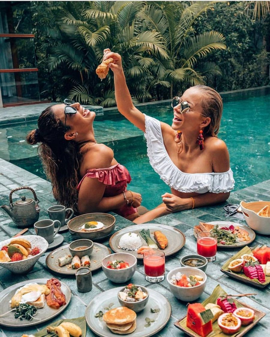 You don't use the buddy system on a regular basis | 7 Signs Traveling With Your Bestie Is Not the Best Idea | Her Beauty