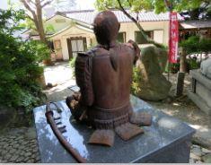 安居神社の真田幸村像