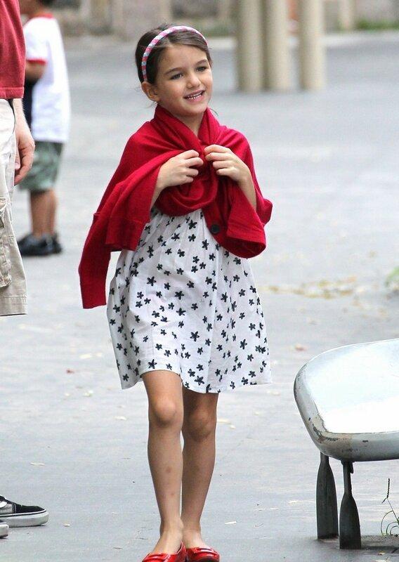 Сури Круз — дочь голливудских актеров Тома Круза и Кэти Холмс.