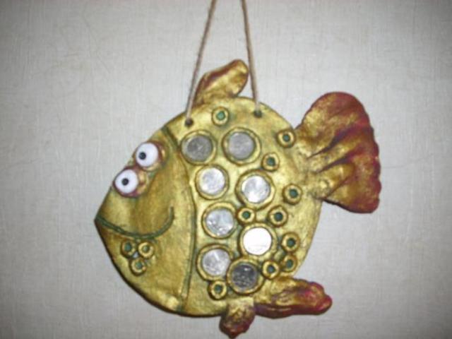 Золотые рыбки на удачу из соленого теста