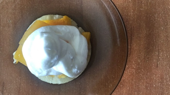 Тыква с ананасом под сливочной шапочкой