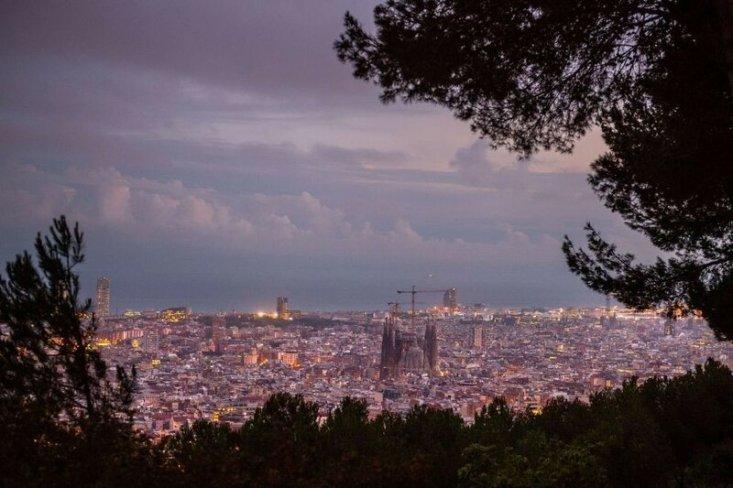 Вид на Храм Святого Семейства в Барселоне. (Фото: GETTY IMAGES/David Ramos).